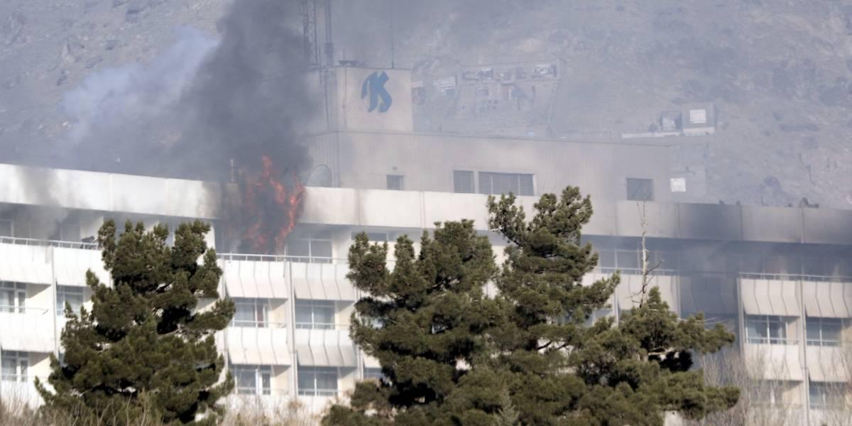 Ataque terrorista a hotel de Kabul deja al menos 18 muertos