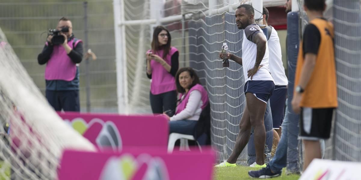 FOTO: Jugadores de Rayados presencian partido femenil