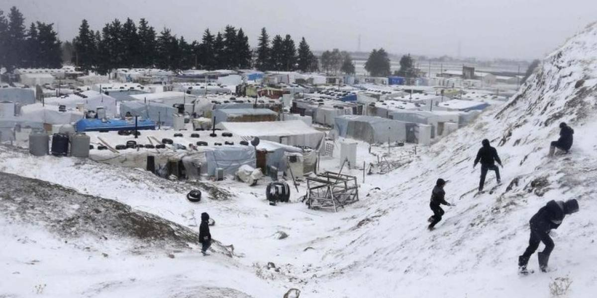 Refugiados sírios que fugiam para o Líbano são encontrados congelados