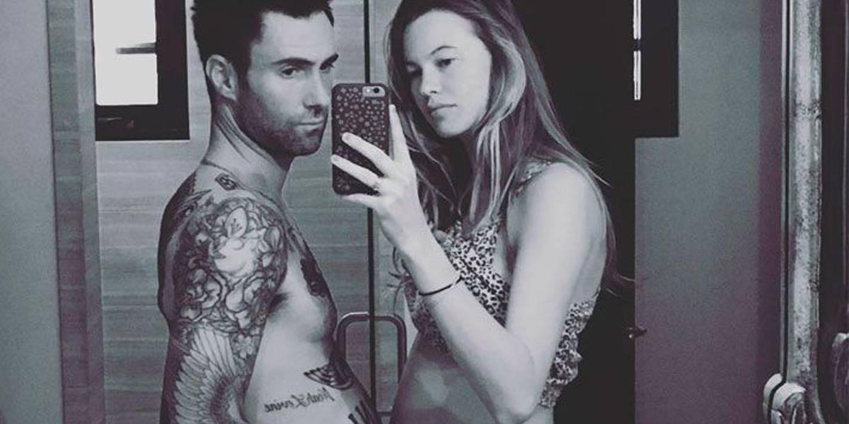 Adam Levine quase fez cocô na calça quando a primeira filha nasceu