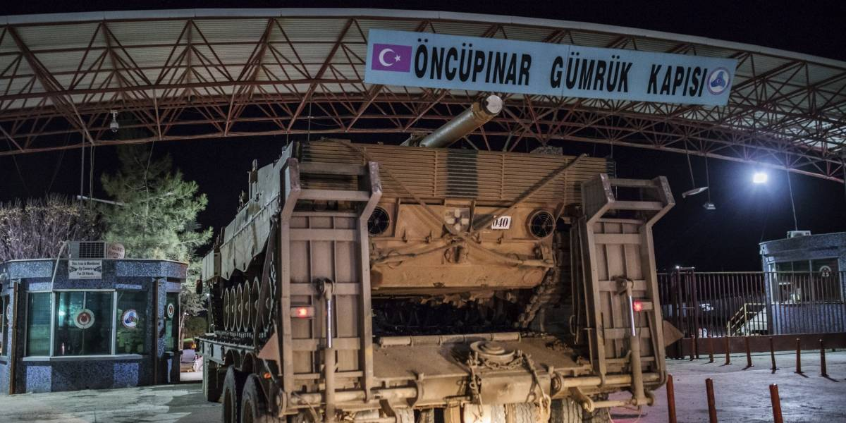 Tropas turcas atacan asentamiento kurdo en el norte de Siria