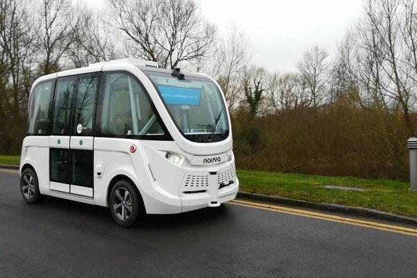 Bus autónomo de la compañía Tower Transit