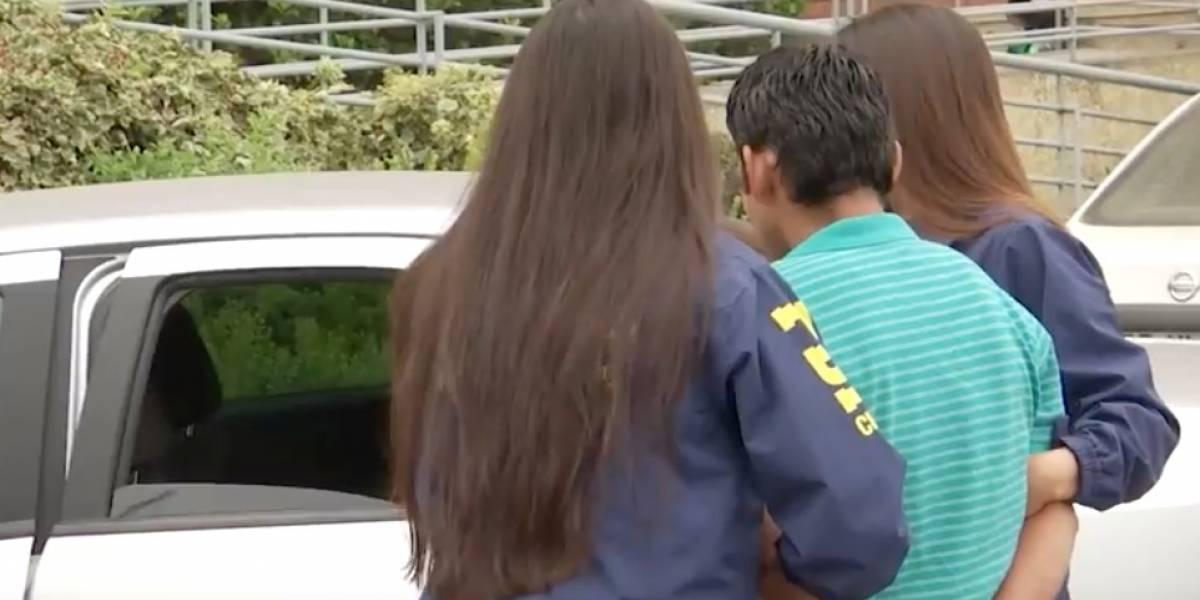 """Hombre utilizó el juego de la """"gallinita ciega"""" para vendarle los ojos y violar a una niña de 5 años"""