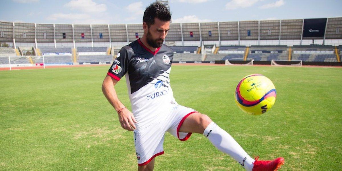 Roban pertenencias de jugador de Lobos en el Estadio Hidalgo