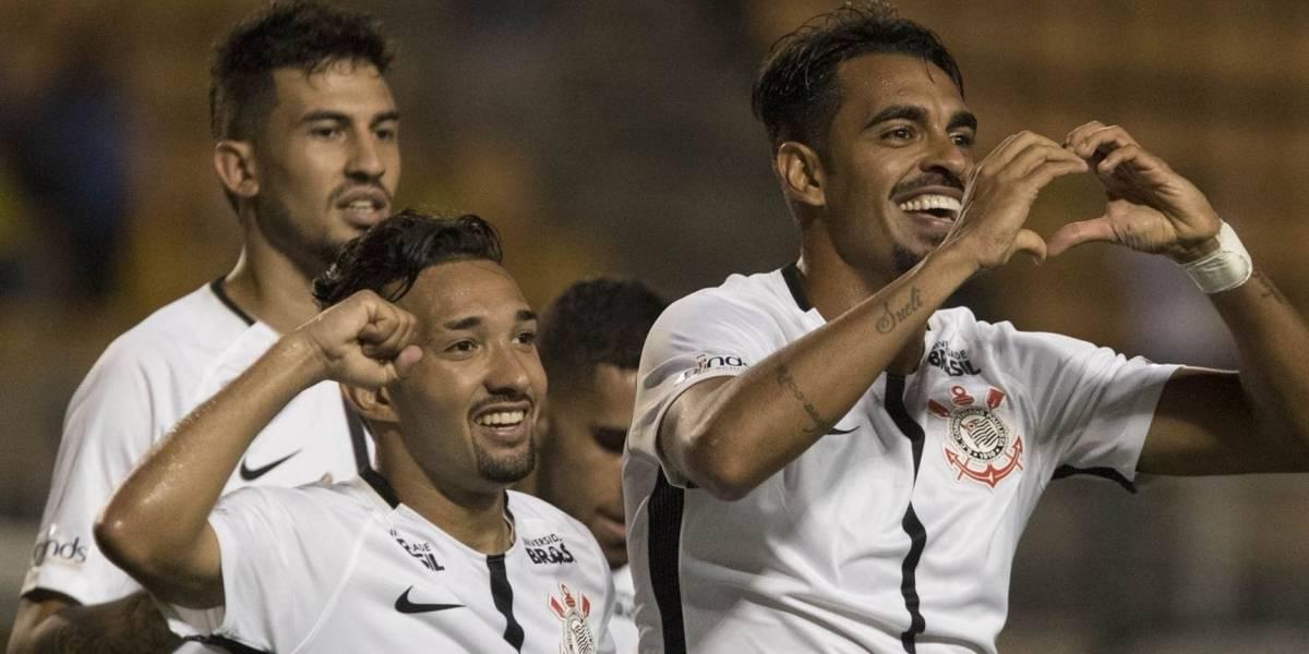 Corinthians goleia o São Caetano por 4 a 0 e ganha pela primeira vez no Paulistão