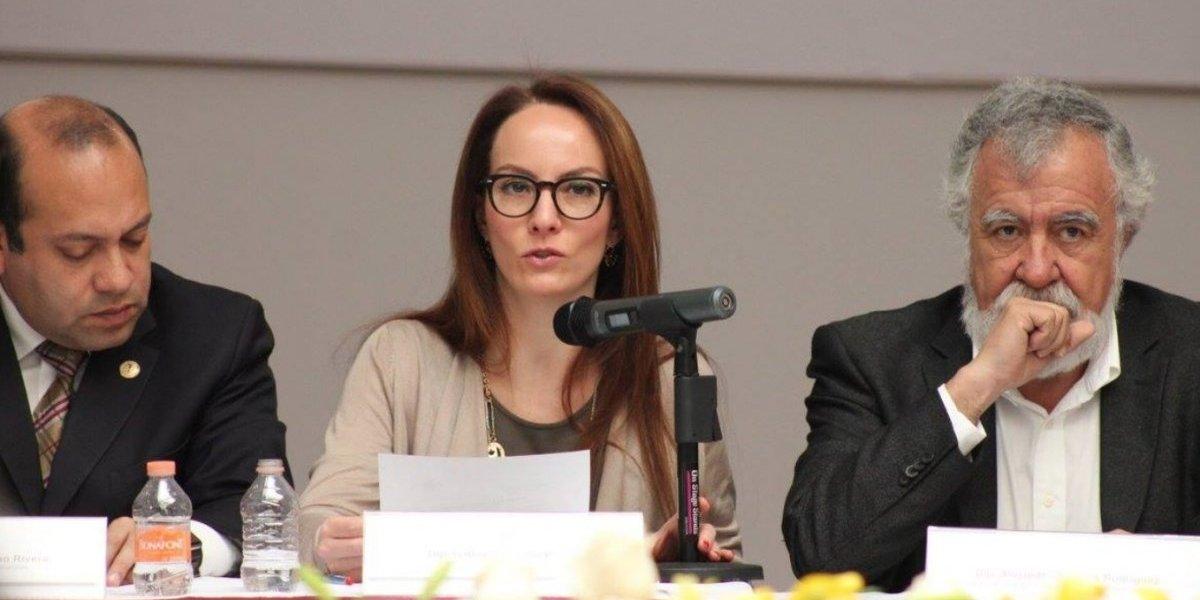Gabriela Cuevas renuncia al PAN para apoyar a AMLO