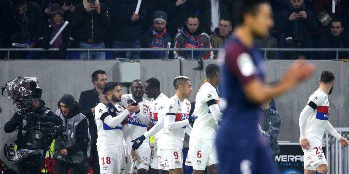 Olympique de Lyon cortó la racha ganadora del PSG y puso el torneo al rojo vivo