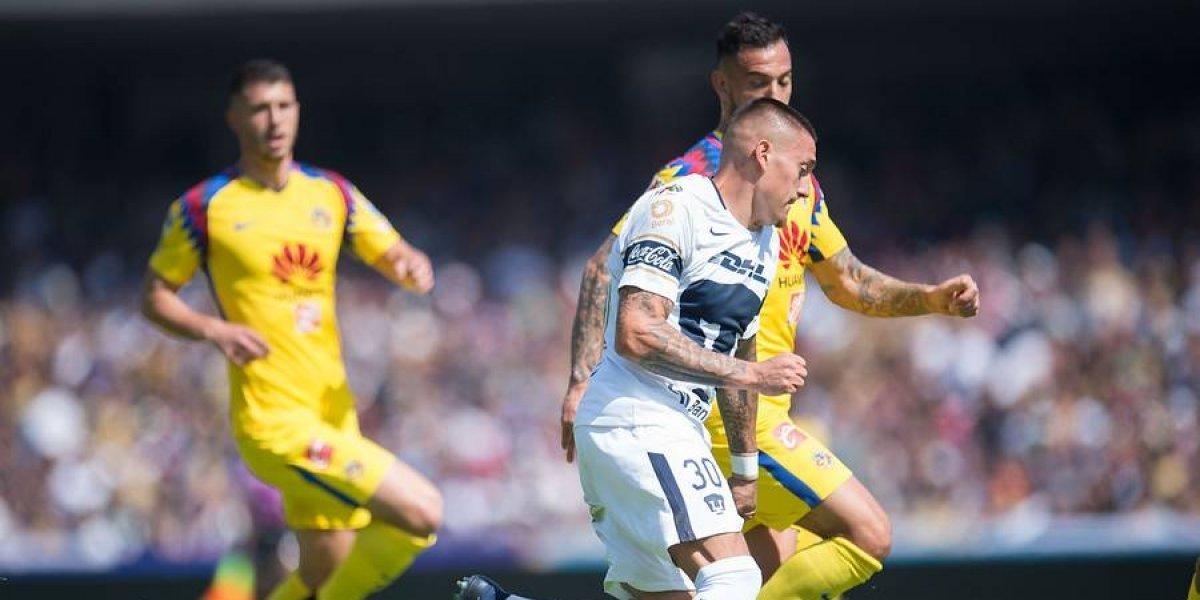 Nico Castillo y Marcelo Díaz no pudieron superar al América en el clásico