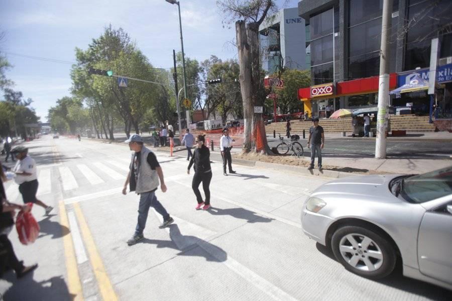 Avanzan a paso lento obras de rehabilitación en laterales de Avenida Vallarta