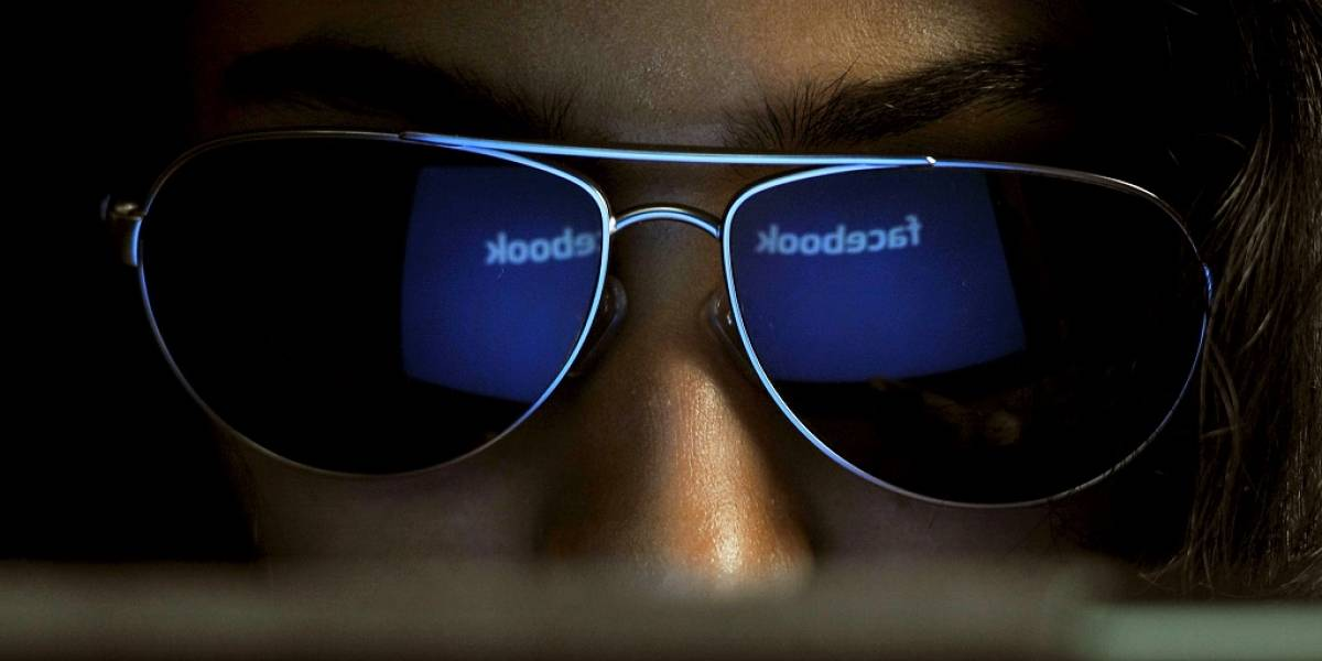 Juez dice que Facebook no puede negarse a entregar información de usuarios a autoridades