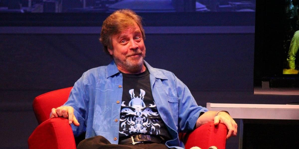 Mark Hamill: Star Wars: The Force Awakens iba tener un inicio diferente