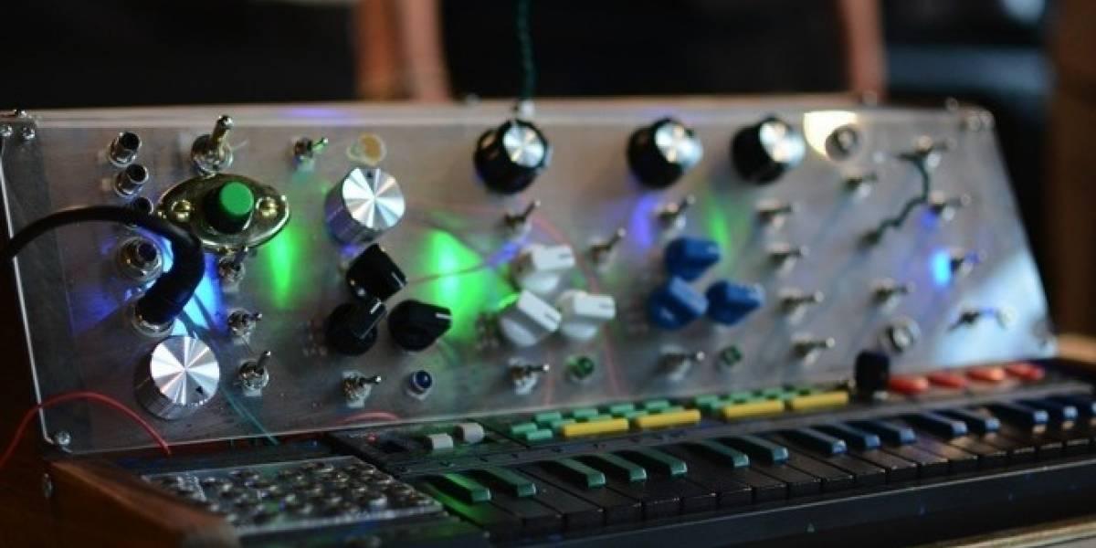 Crean un increíble sintetizador musical por sólo USD$70