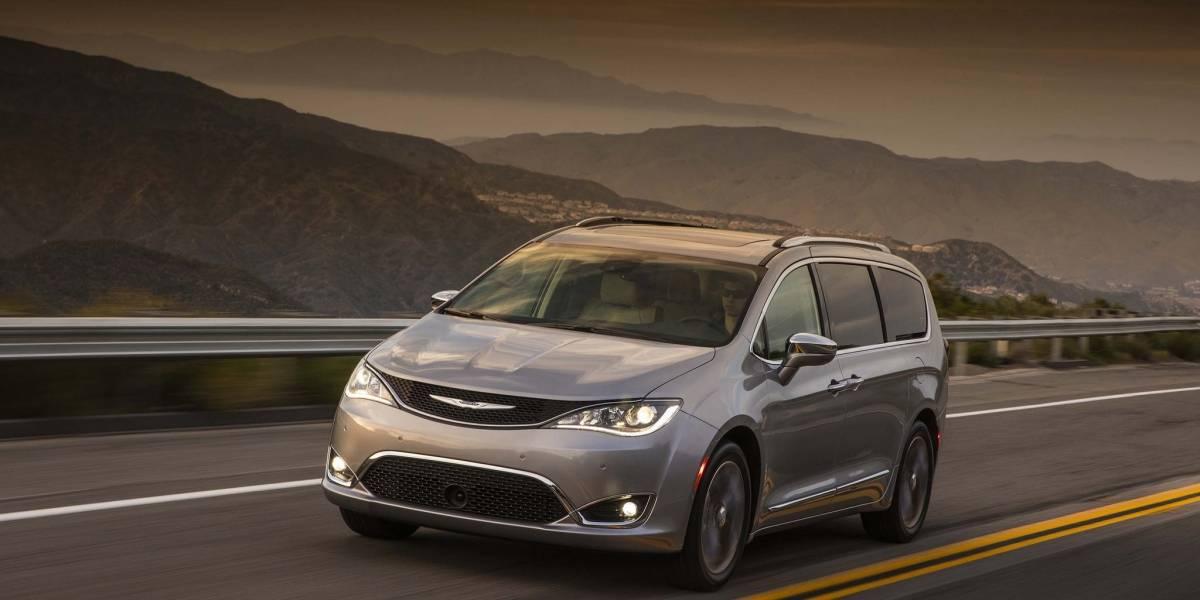 Fiat Chrysler y Google están trabajando en Minivans autónomas