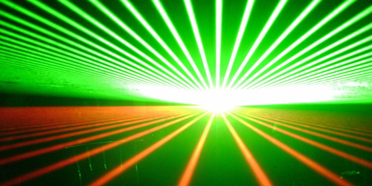 Por primera vez capturan en video el movimiento de un rayo láser