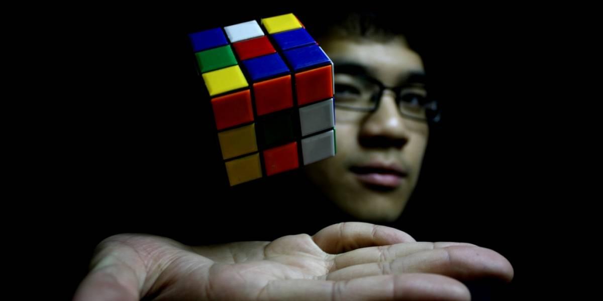Google celebra 40 años del cubo Rubik con doodle interactivo