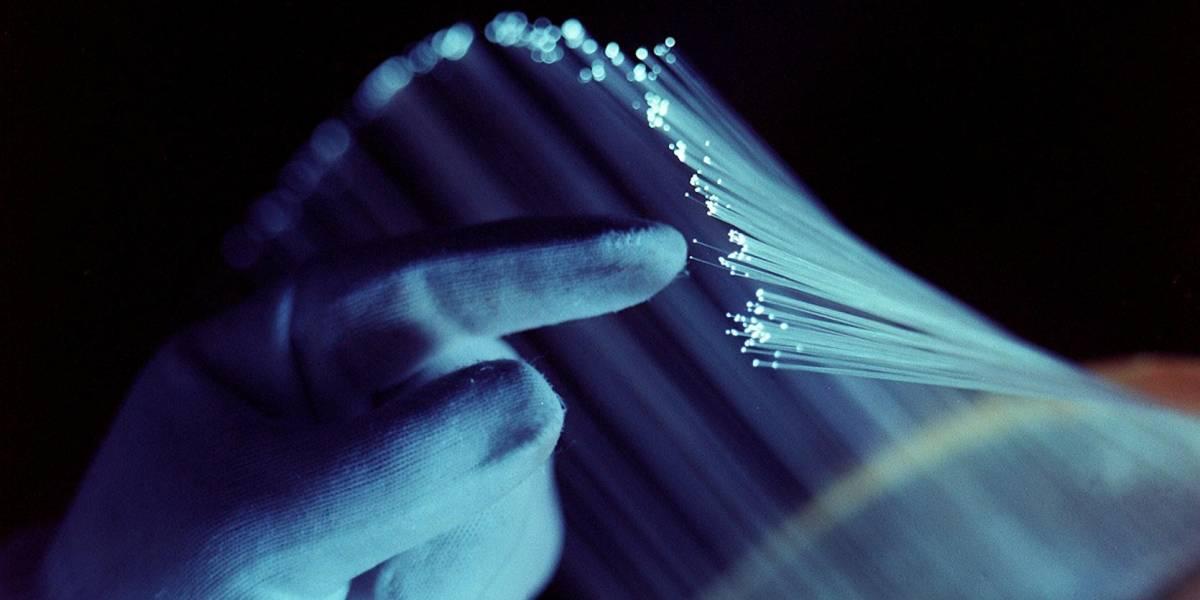 Descubren revolucionario nuevo método para enviar información por fibra óptica