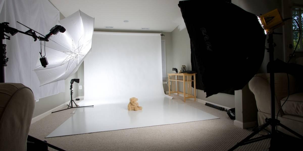 Amazon patenta sacarse fotos con focos de luz y un fondo blanco detrás