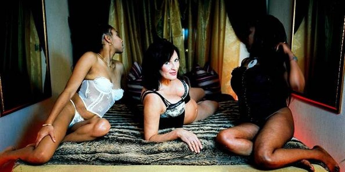 Mujer de 60 años vuelve a la prostitución después de 15 años