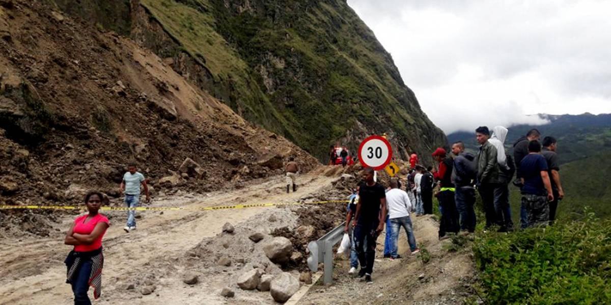 Al menos 13 personas muertas en alud de tierra en vía Tumaco-Pasto (Actualización)