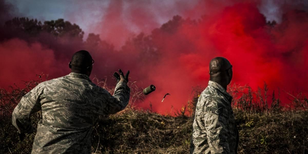 Ejército estadounidense rediseña granada de humo por primera vez desde la II Guerra Mundial