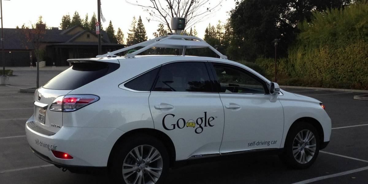 Google ahora prueba su auto que se maneja solo en entornos urbanos