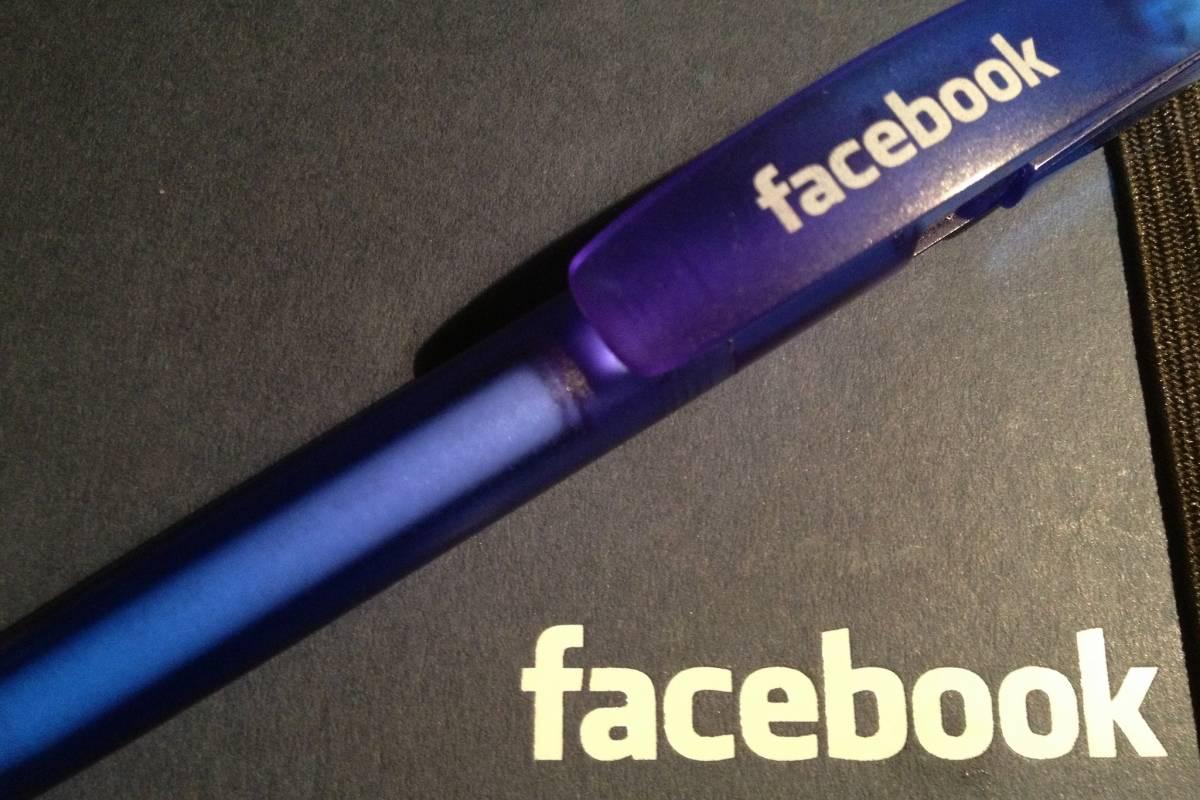 Facebook ya permite responder los comentarios con videos