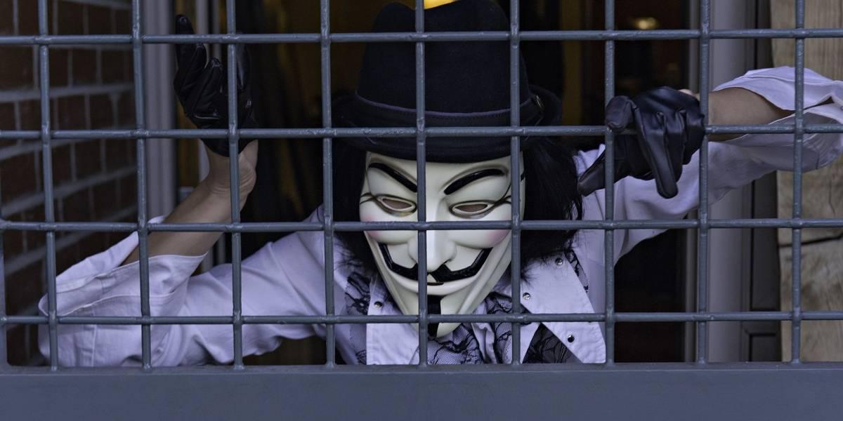 Activista de Anonymous Barrett Brown condenado a 63 meses de cárcel