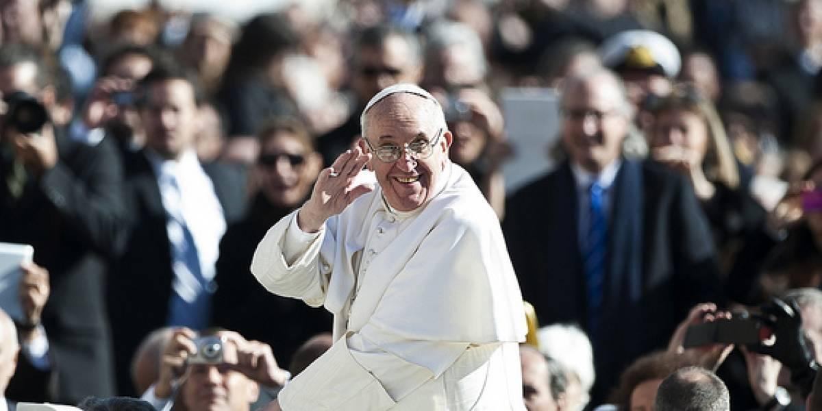 """Según el Washington Post, el Papa Francisco I """"está hecho para la era de Twitter"""""""