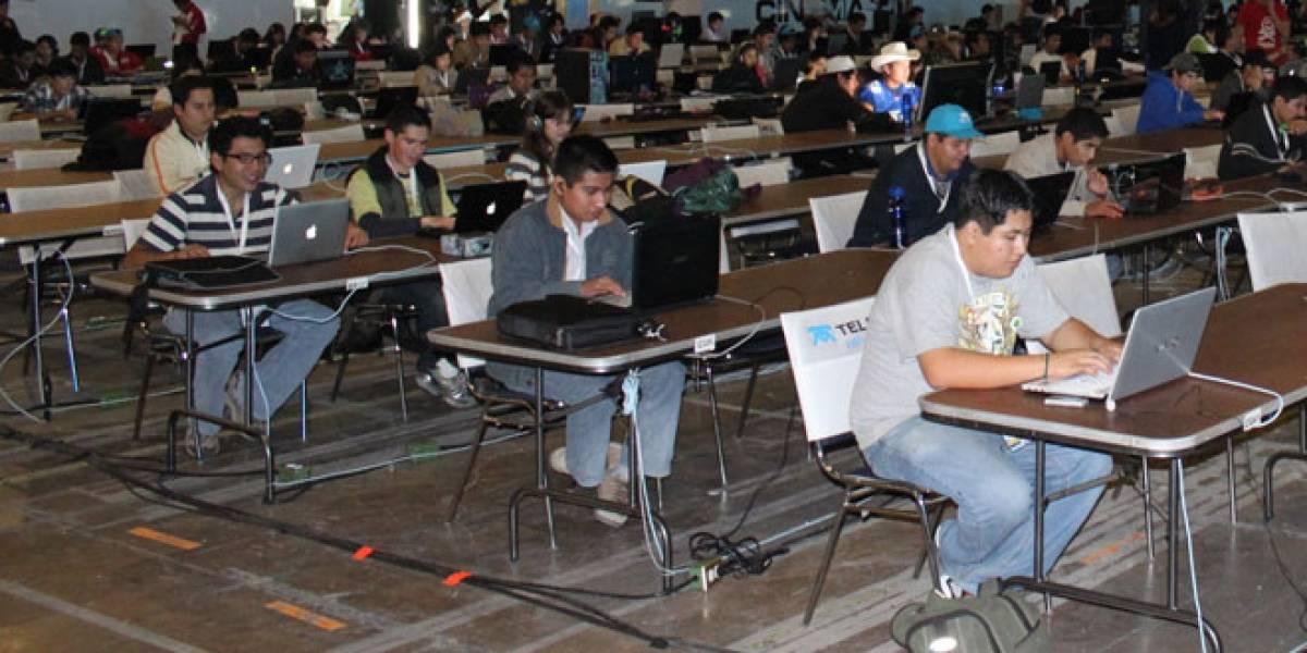 Mexicanos se conectan a Internet más de cuatro horas al día