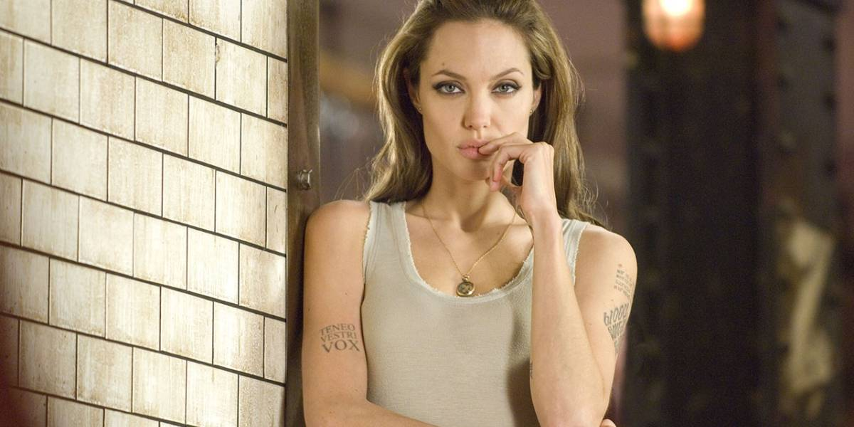 Rumor: Marvel busca a Angelina Jolie para dirigir Captain Marvel