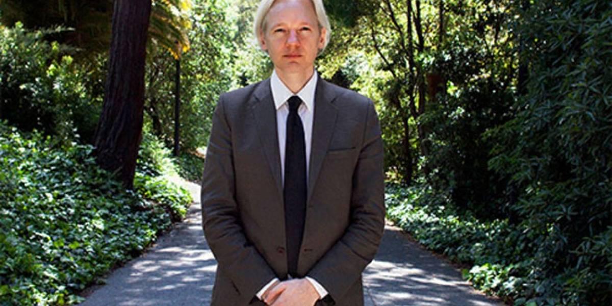 """Julian Assange critica libro de Eric Schmidt: """"Sus autores no ven el monstruo que están creando"""""""