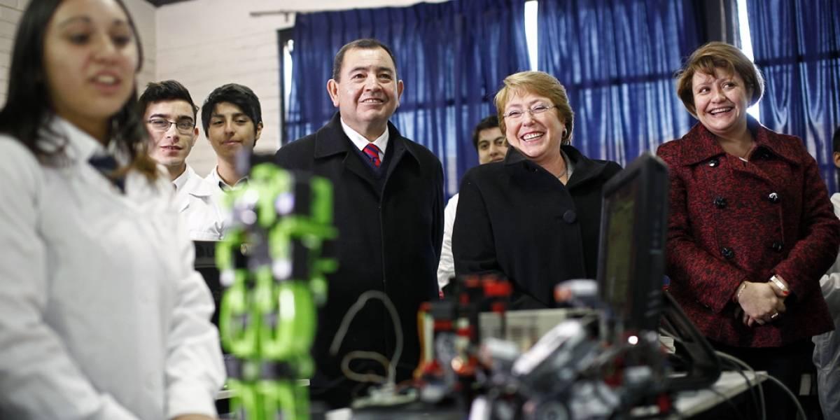 Michelle Bachelet pide acelerar la creación del Ministerio de Ciencia y Tecnología