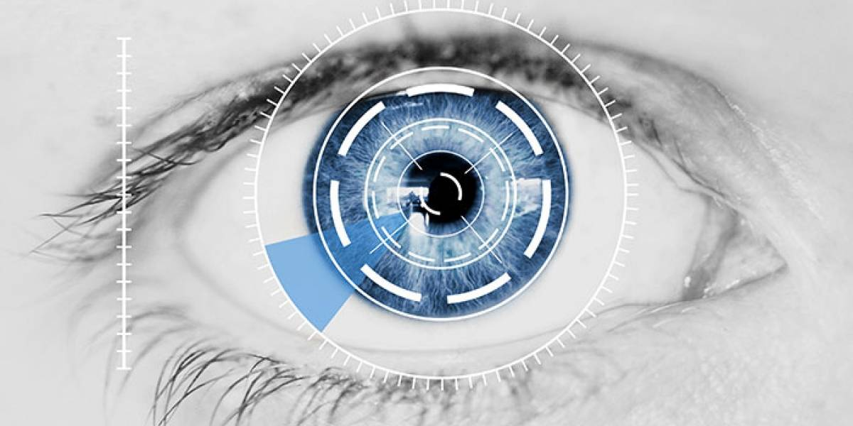 Mujer logra ver con ojo biónico tras 13 años de ceguera
