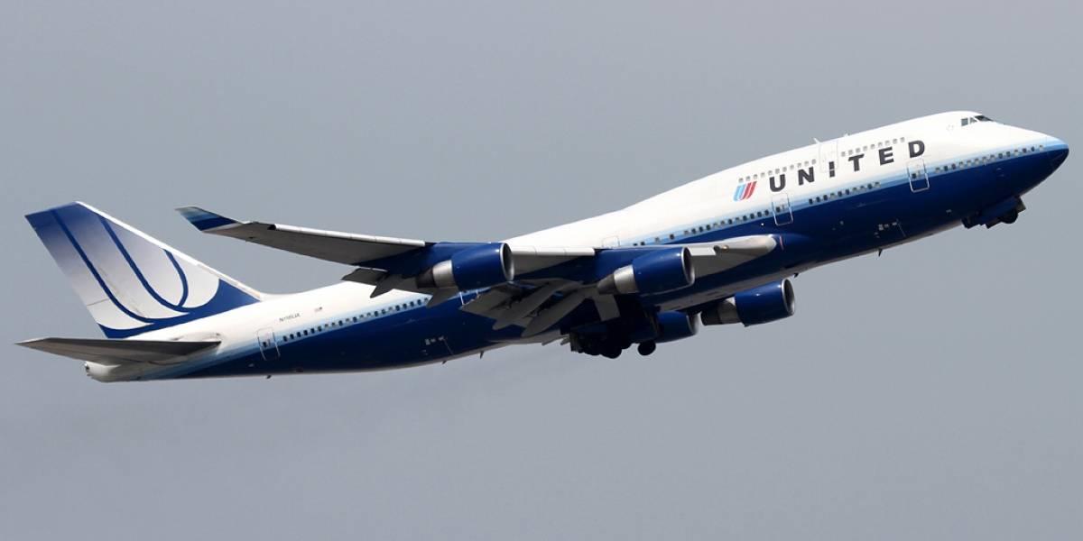 Según el FBI un experto de seguridad logró manipular el rumbo de un avión de United