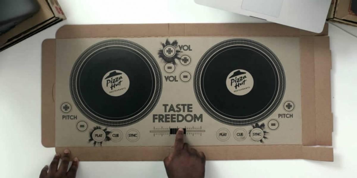 Conviértete en DJ con la primera caja de pizzas mezcladora de sonidos