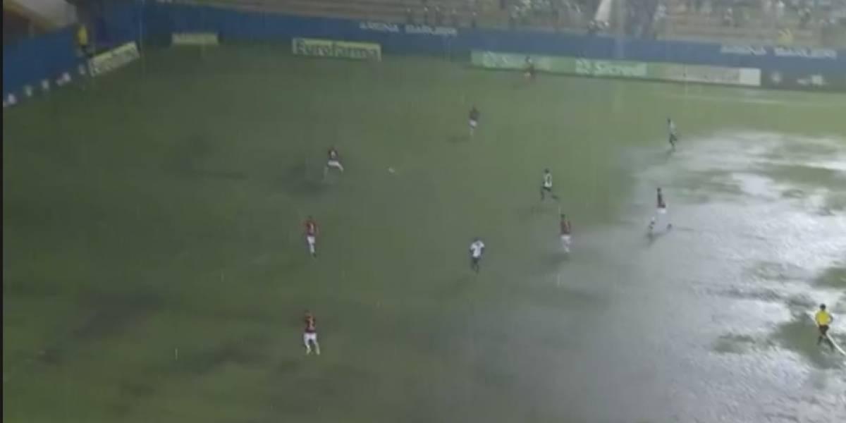Chuva forte e raios interrompem semifinal da Copinha