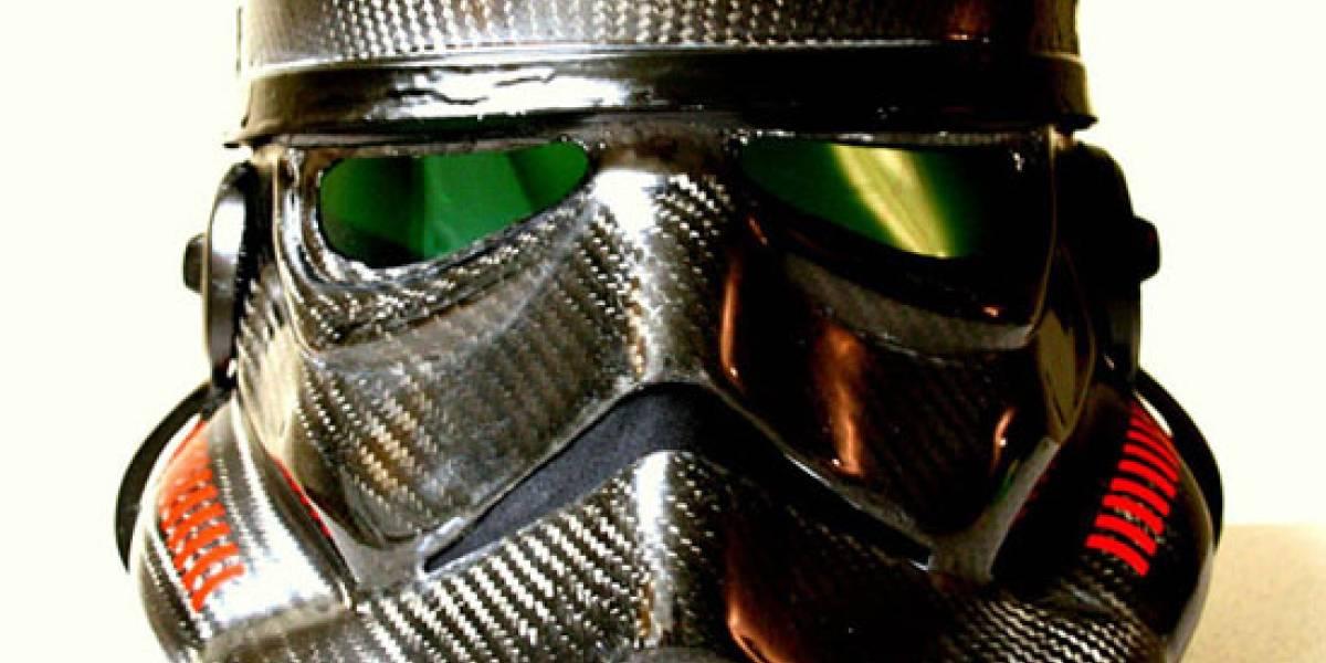 Trajes de stormtrooper fabricados en fibra de carbono