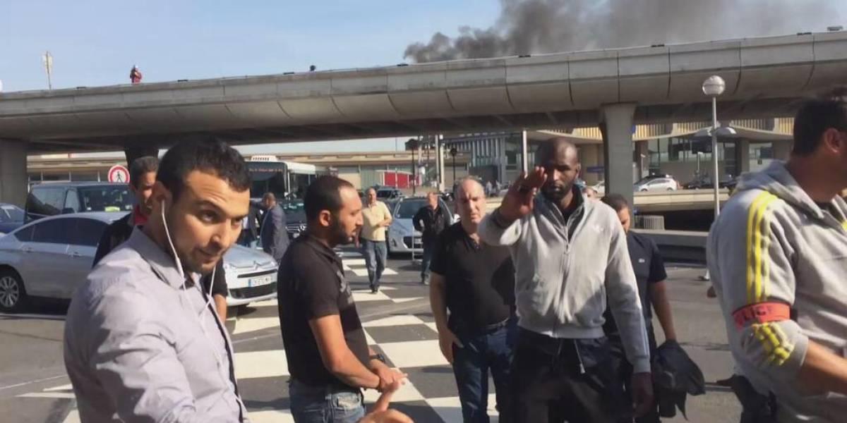 Taxistas realizan masivas protestas en Francia contra UberPop