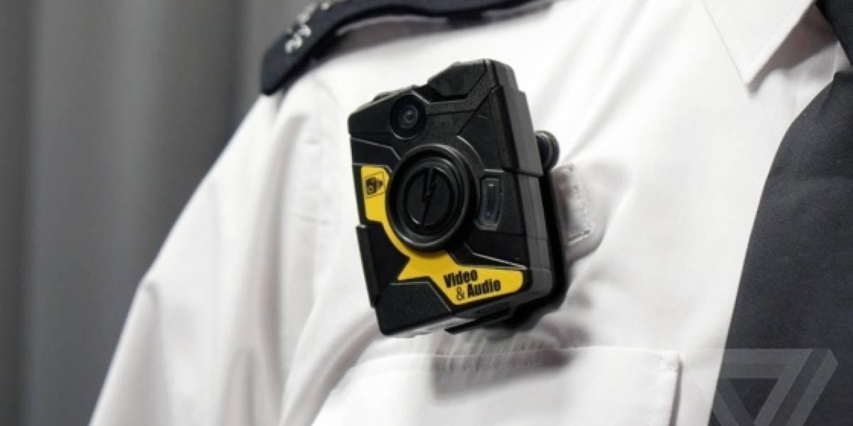 Equipan a policías de Londres con videocámaras personales