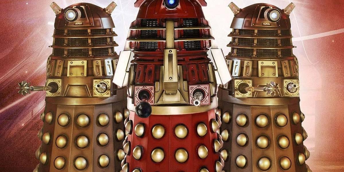 """Chinos crean robot Dalek de seguridad que """"intimida"""" a Edward Snowden"""