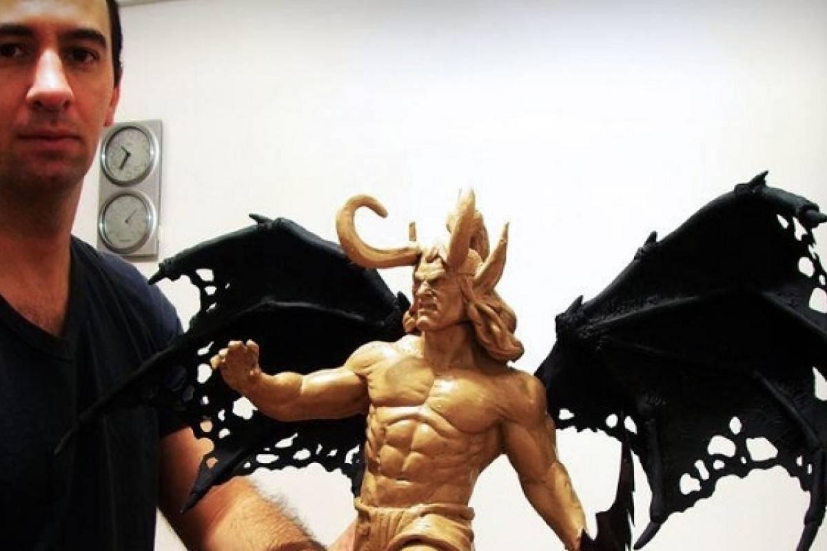 Diego González, un escultor que se gana la vida haciendo personajes de ficción
