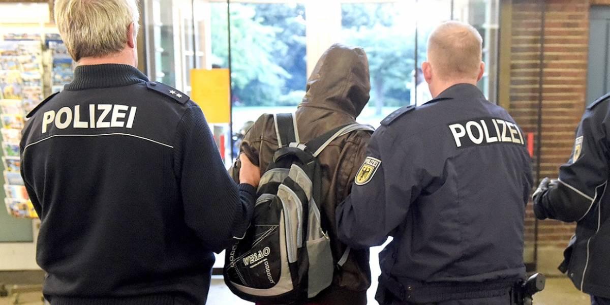 Policía alemana allana 36 casas tras incitaciones al odio en Facebook