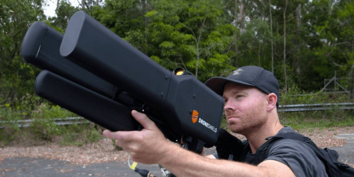 Derriba drones de los cielos con esta arma que parece sacada de una película