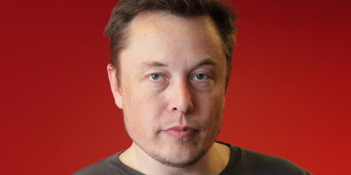 Elon Musk explica por qué SpaceX no lanza cohetes espaciales eléctricos