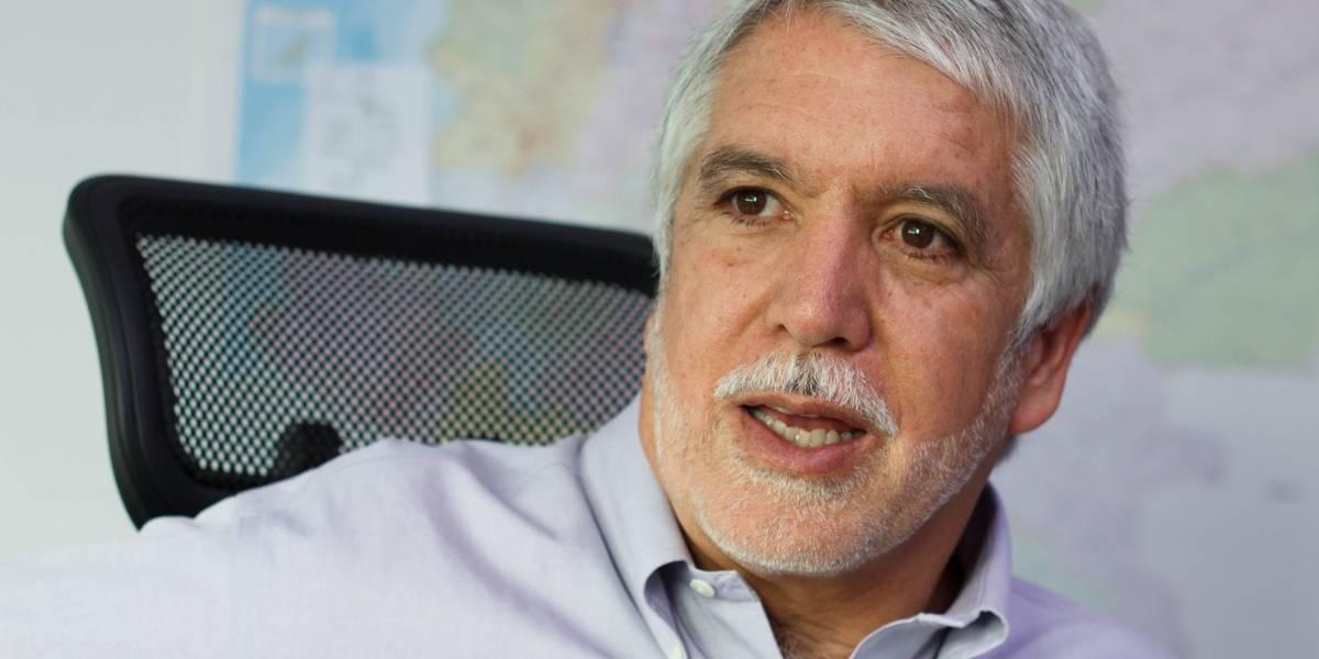 Denuncian al alcalde peñalosa por las crisis de las basuras en Bogotá