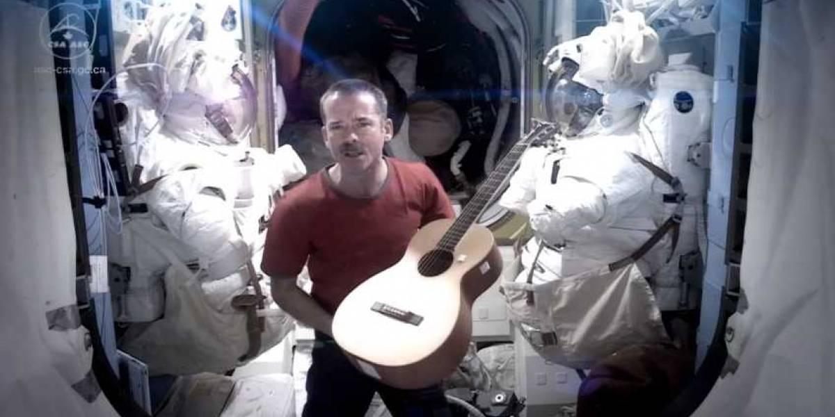 Chris Hadfield, el astronauta estrella de la ISS regresó a la Tierra