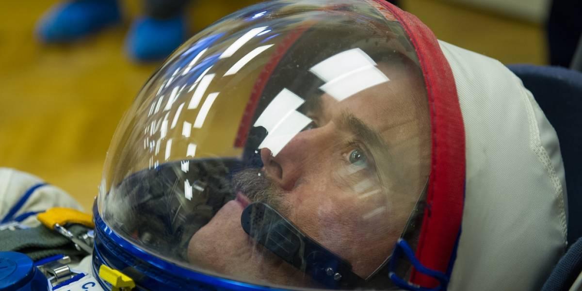 Ex comandante de la Estación Espacial, Chris Hadfield, renuncia a la Agencia Espacial Canadiense