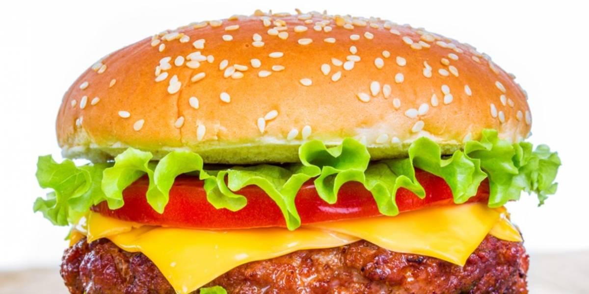 CEO de Google promete dejar todo para arreglar emoji de hamburguesa