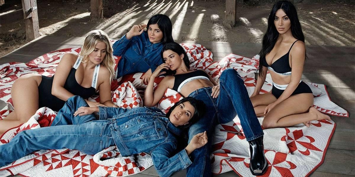 Irmãs Kardashian/Jenner estrelam campanha de lingerie com o tema 'família'; veja fotos