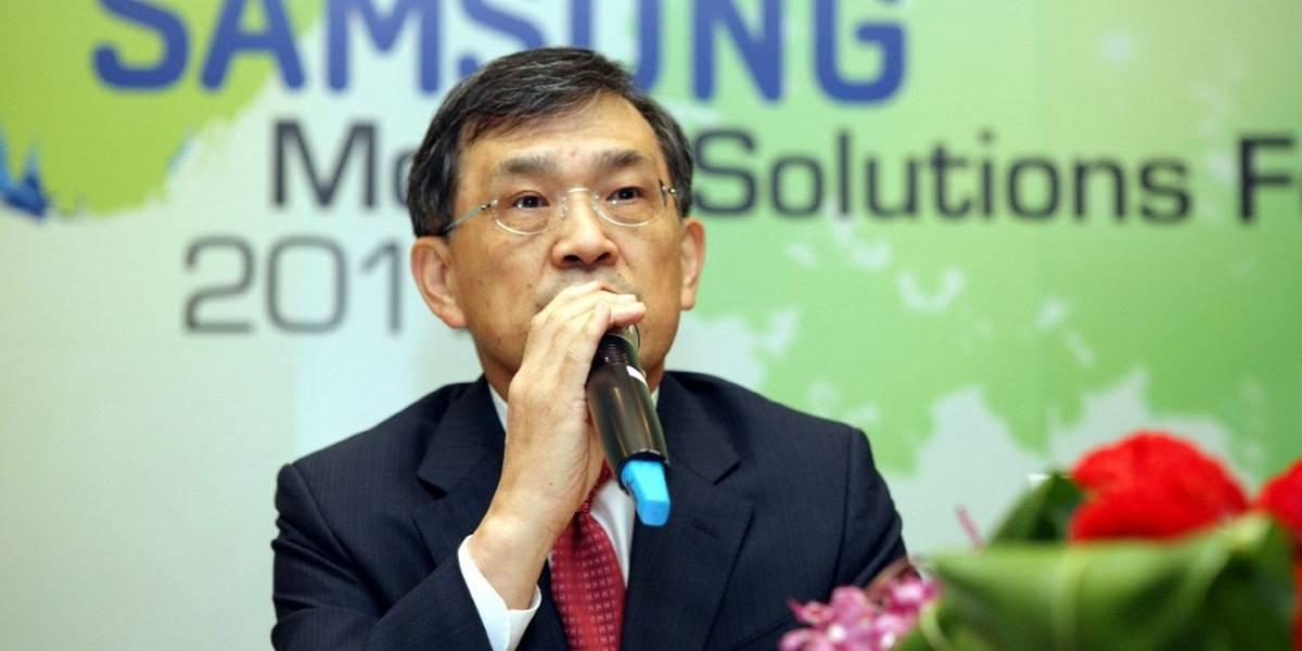 """Vicepresidente de Samsung anuncia su renuncia, consignando """"crisis sin precedentes"""" en la multinacional"""